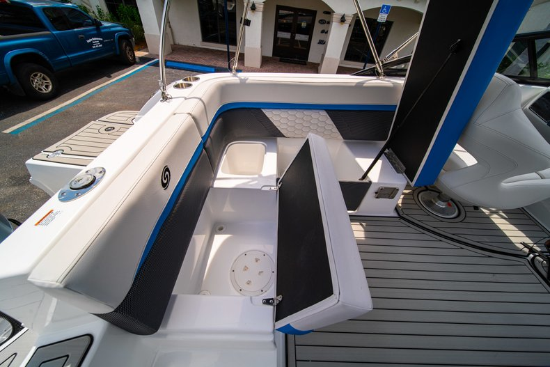 Thumbnail 11 for New 2020 Hurricane 217 SunDeck OB boat for sale in West Palm Beach, FL