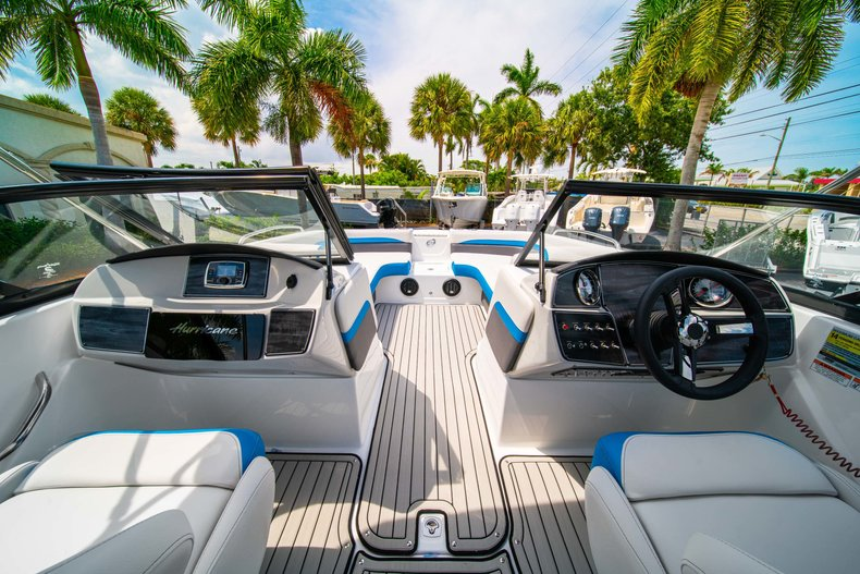 Thumbnail 15 for New 2020 Hurricane 217 SunDeck OB boat for sale in West Palm Beach, FL