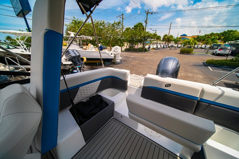 Thumbnail 13 for New 2020 Hurricane 217 SunDeck OB boat for sale in West Palm Beach, FL