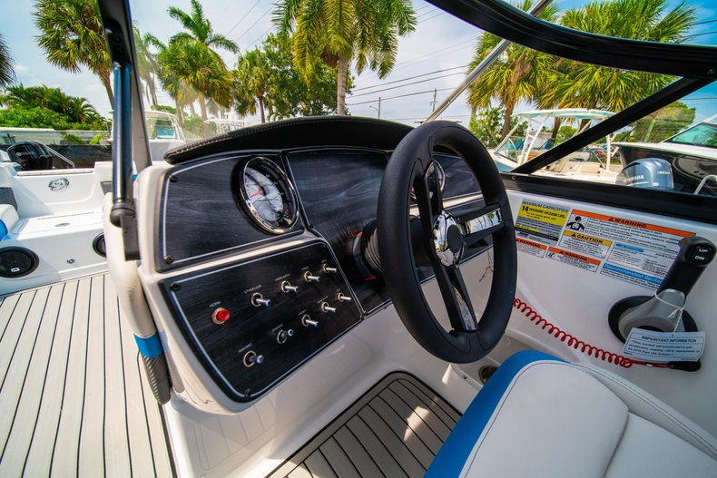 Thumbnail 17 for New 2020 Hurricane 217 SunDeck OB boat for sale in West Palm Beach, FL