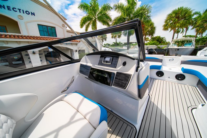 Thumbnail 20 for New 2020 Hurricane 217 SunDeck OB boat for sale in West Palm Beach, FL