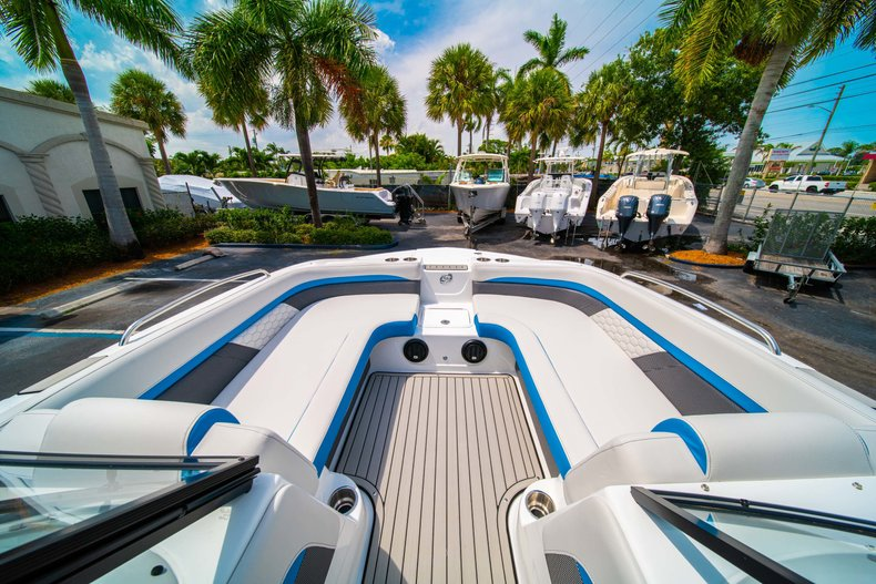 Thumbnail 23 for New 2020 Hurricane 217 SunDeck OB boat for sale in West Palm Beach, FL