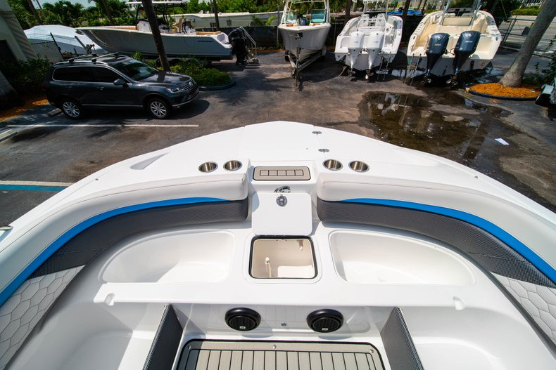 Thumbnail 26 for New 2020 Hurricane 217 SunDeck OB boat for sale in West Palm Beach, FL
