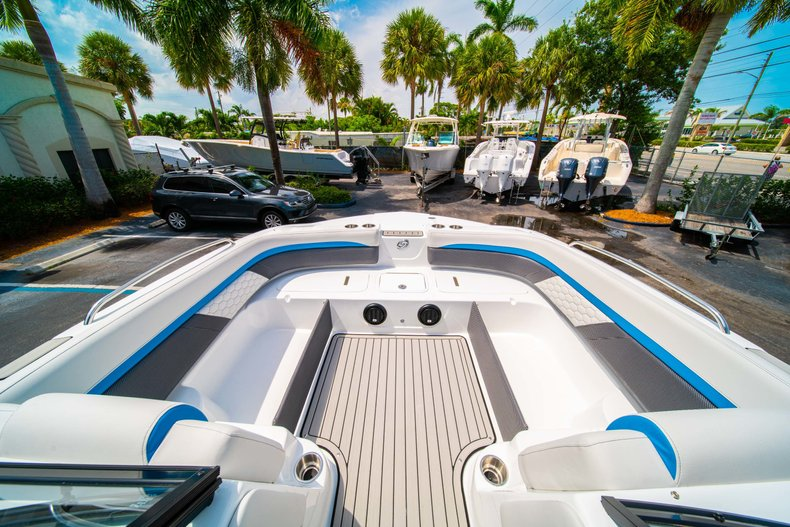 Thumbnail 24 for New 2020 Hurricane 217 SunDeck OB boat for sale in West Palm Beach, FL