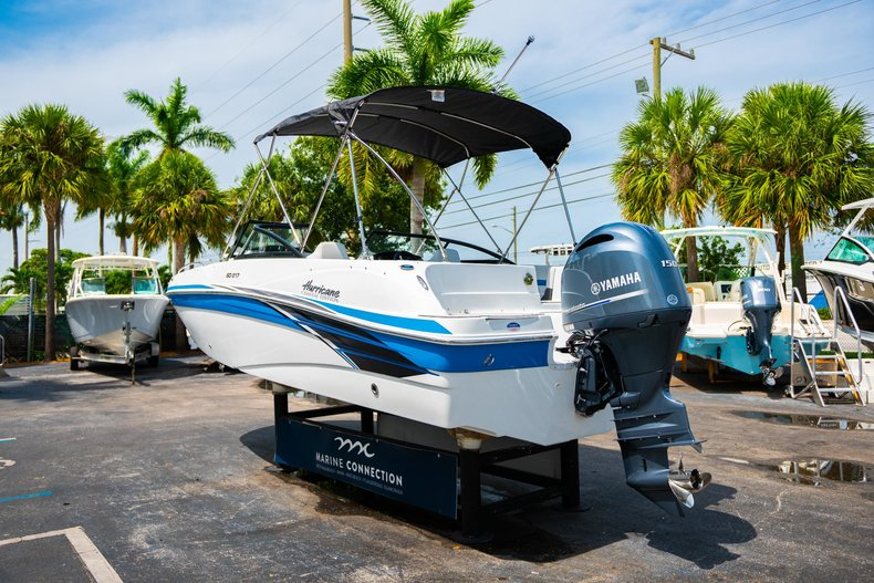 Thumbnail 5 for New 2020 Hurricane 217 SunDeck OB boat for sale in West Palm Beach, FL