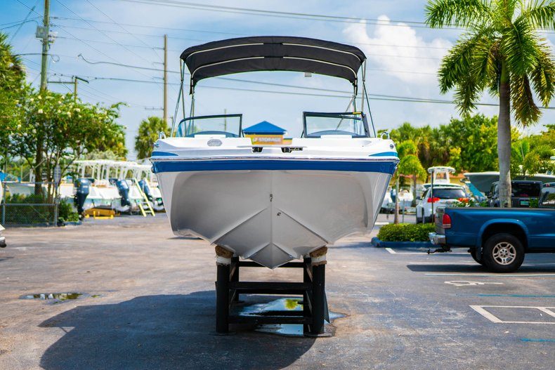 Thumbnail 2 for New 2020 Hurricane 217 SunDeck OB boat for sale in West Palm Beach, FL