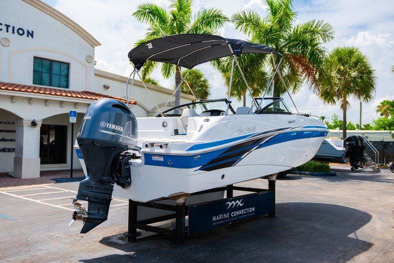 Thumbnail 7 for New 2020 Hurricane 217 SunDeck OB boat for sale in West Palm Beach, FL