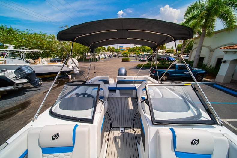Thumbnail 27 for New 2020 Hurricane 217 SunDeck OB boat for sale in West Palm Beach, FL