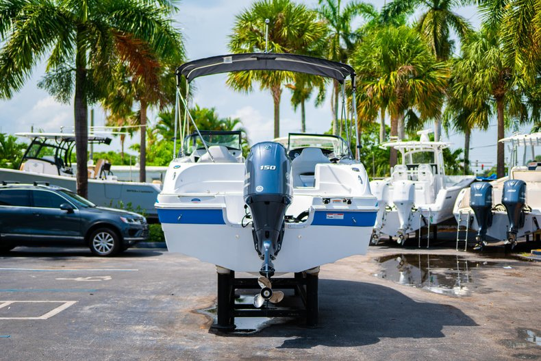 Thumbnail 6 for New 2020 Hurricane 217 SunDeck OB boat for sale in West Palm Beach, FL