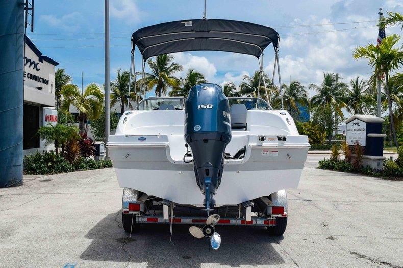 Thumbnail 6 for New 2020 Hurricane 217 SunDeck OB boat for sale in Fort Lauderdale, FL