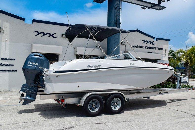 Thumbnail 7 for New 2020 Hurricane 217 SunDeck OB boat for sale in Fort Lauderdale, FL