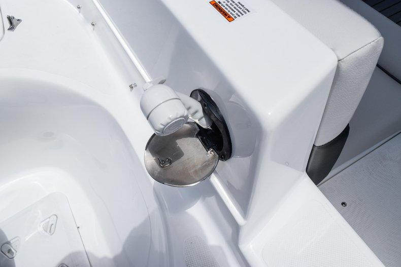 Thumbnail 10 for New 2020 Hurricane 217 SunDeck OB boat for sale in Fort Lauderdale, FL