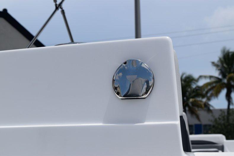 Thumbnail 8 for New 2020 Hurricane 217 SunDeck OB boat for sale in Fort Lauderdale, FL
