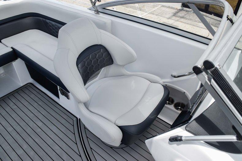 Thumbnail 31 for New 2020 Hurricane 217 SunDeck OB boat for sale in Fort Lauderdale, FL