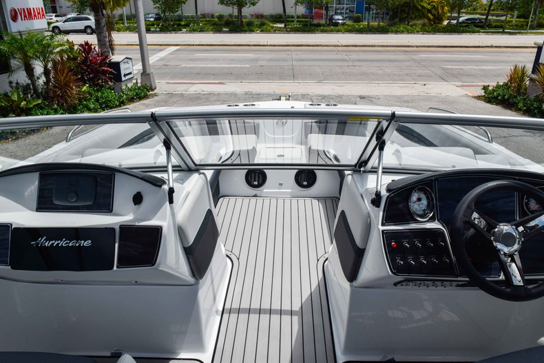 Thumbnail 34 for New 2020 Hurricane 217 SunDeck OB boat for sale in Fort Lauderdale, FL