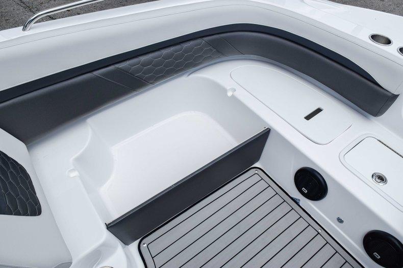 Thumbnail 40 for New 2020 Hurricane 217 SunDeck OB boat for sale in Fort Lauderdale, FL