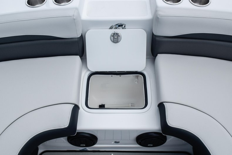 Thumbnail 44 for New 2020 Hurricane 217 SunDeck OB boat for sale in Fort Lauderdale, FL