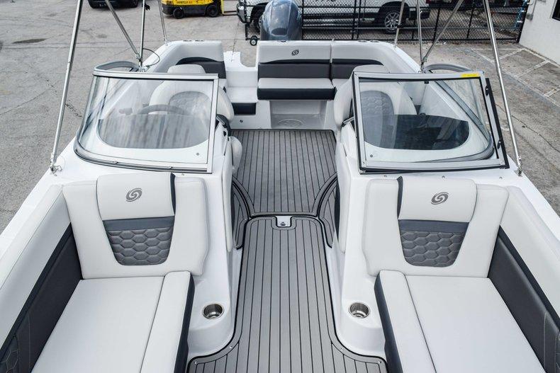 Thumbnail 47 for New 2020 Hurricane 217 SunDeck OB boat for sale in Fort Lauderdale, FL