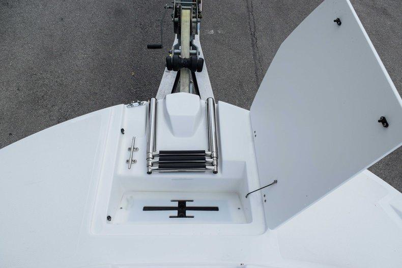 Thumbnail 46 for New 2020 Hurricane 217 SunDeck OB boat for sale in Fort Lauderdale, FL