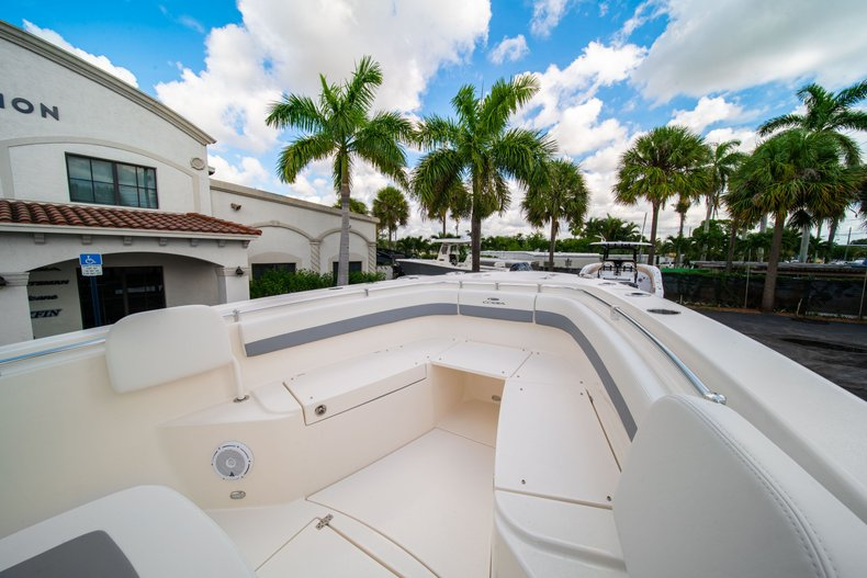 Thumbnail 31 for New 2019 Cobia 280 Center Console boat for sale in West Palm Beach, FL