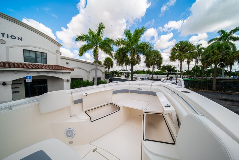 Thumbnail 32 for New 2019 Cobia 280 Center Console boat for sale in West Palm Beach, FL