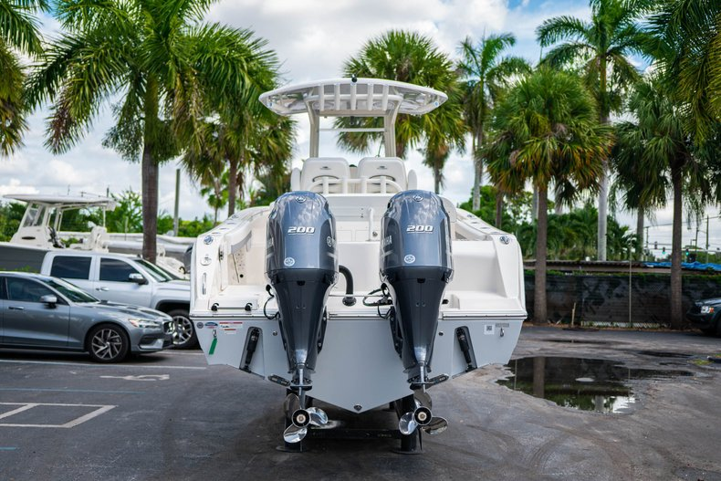Thumbnail 6 for New 2019 Cobia 280 Center Console boat for sale in West Palm Beach, FL