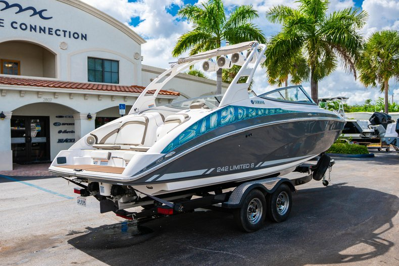 Thumbnail 7 for Used 2015 Yamaha 242 Limited S boat for sale in West Palm Beach, FL