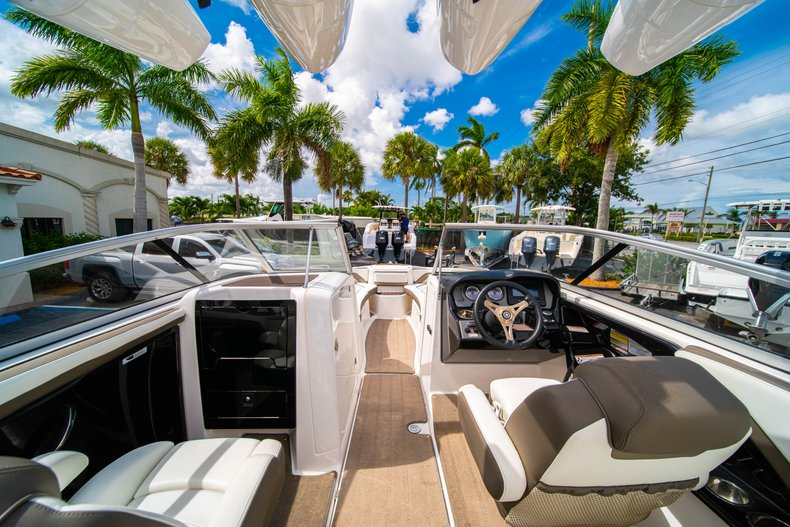 Thumbnail 12 for Used 2015 Yamaha 242 Limited S boat for sale in West Palm Beach, FL