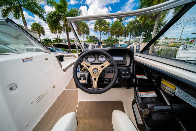 Thumbnail 20 for Used 2015 Yamaha 242 Limited S boat for sale in West Palm Beach, FL