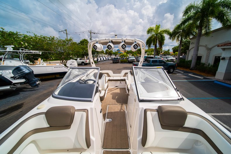 Thumbnail 32 for Used 2015 Yamaha 242 Limited S boat for sale in West Palm Beach, FL