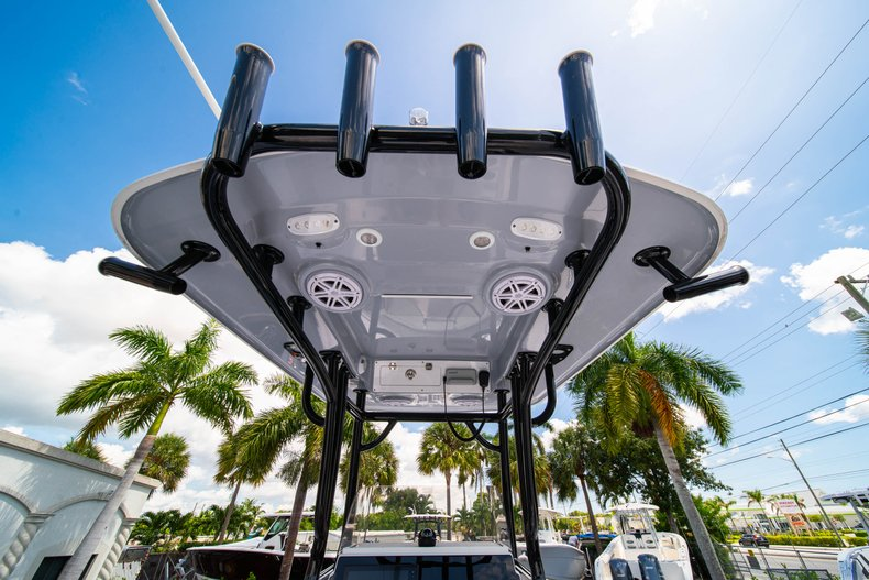 Thumbnail 17 for New 2019 Sportsman Open 242 Center Console boat for sale in Fort Lauderdale, FL
