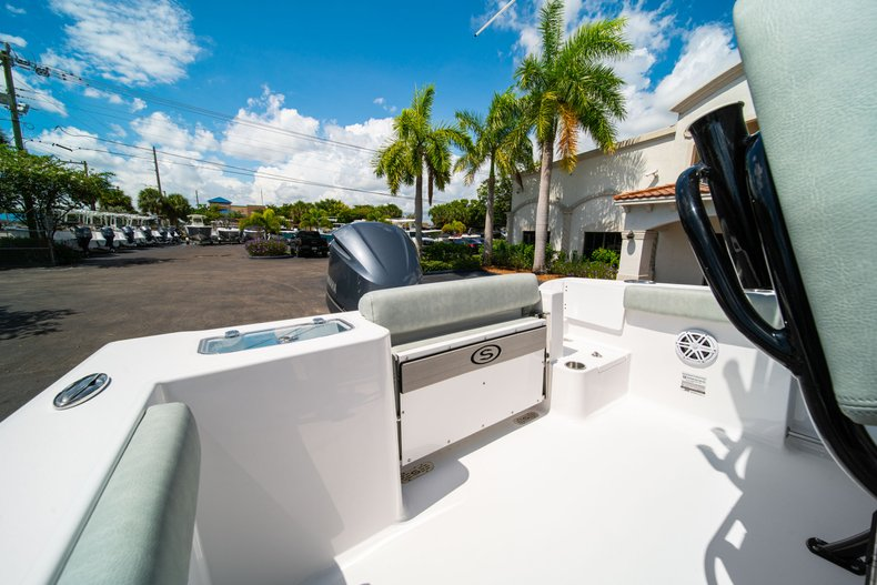 Thumbnail 9 for New 2019 Sportsman Open 242 Center Console boat for sale in West Palm Beach, FL
