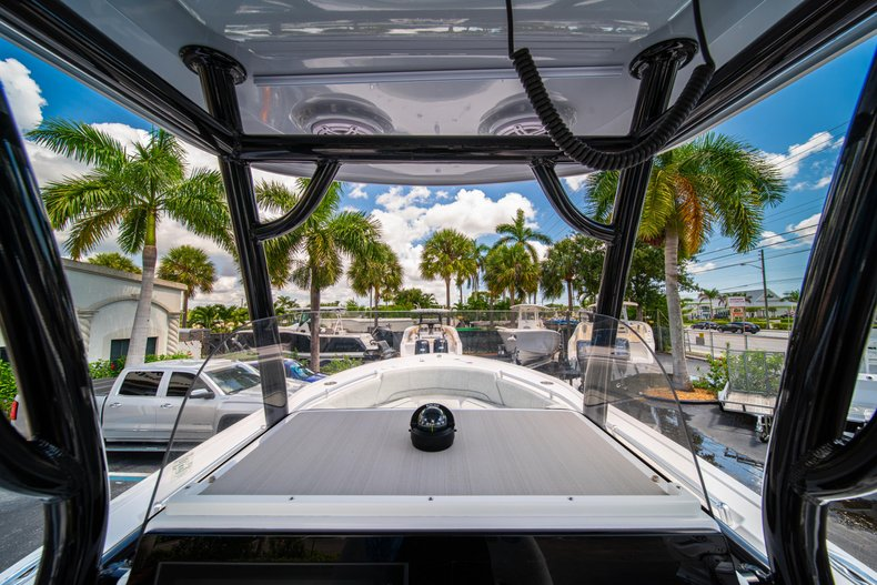Thumbnail 25 for New 2019 Sportsman Open 242 Center Console boat for sale in West Palm Beach, FL