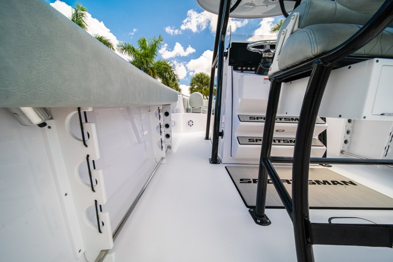 Thumbnail 21 for New 2019 Sportsman Open 242 Center Console boat for sale in West Palm Beach, FL