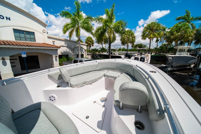 Thumbnail 32 for New 2019 Sportsman Open 242 Center Console boat for sale in Fort Lauderdale, FL