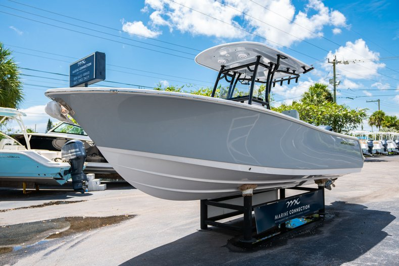 Thumbnail 3 for New 2019 Sportsman Open 242 Center Console boat for sale in Fort Lauderdale, FL