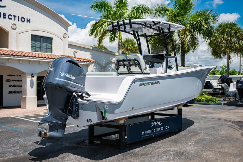 Thumbnail 7 for New 2019 Sportsman Open 242 Center Console boat for sale in Fort Lauderdale, FL