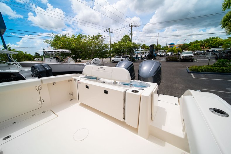 Thumbnail 11 for New 2019 Cobia 301 CC Center Console boat for sale in West Palm Beach, FL