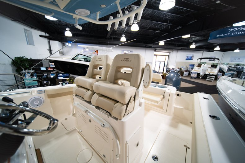 Thumbnail 18 for New 2020 Cobia 280 Center Console boat for sale in West Palm Beach, FL