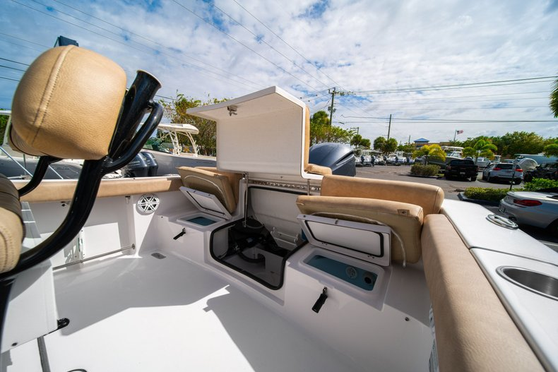Thumbnail 12 for New 2020 Sportsman Heritage 231 Center Console boat for sale in West Palm Beach, FL