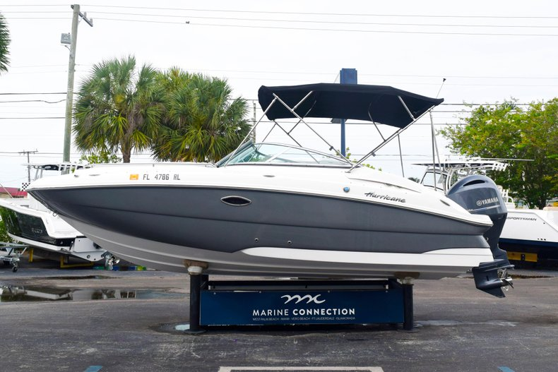 Thumbnail 4 for Used 2018 Hurricane SunDeck SD 2200 OB boat for sale in West Palm Beach, FL