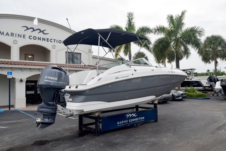 Thumbnail 7 for Used 2018 Hurricane SunDeck SD 2200 OB boat for sale in West Palm Beach, FL