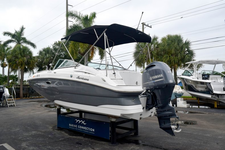 Thumbnail 5 for Used 2018 Hurricane SunDeck SD 2200 OB boat for sale in West Palm Beach, FL
