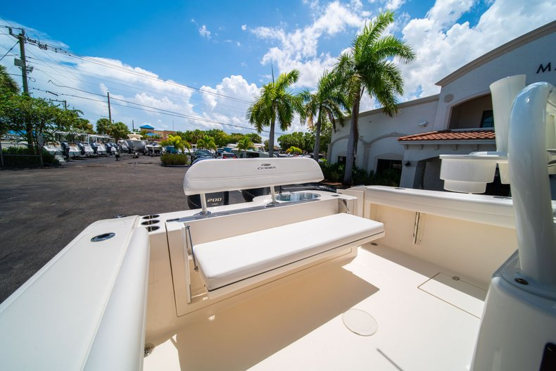 Thumbnail 14 for New 2020 Cobia 280 Center Console boat for sale in West Palm Beach, FL