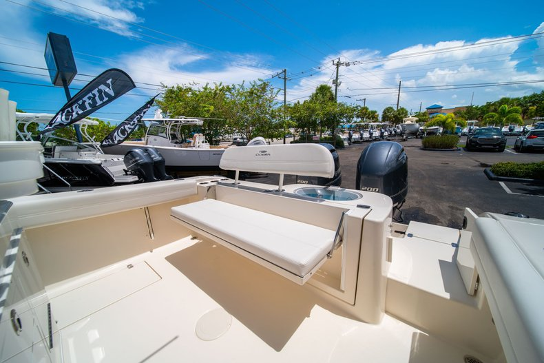 Thumbnail 16 for New 2020 Cobia 280 Center Console boat for sale in West Palm Beach, FL