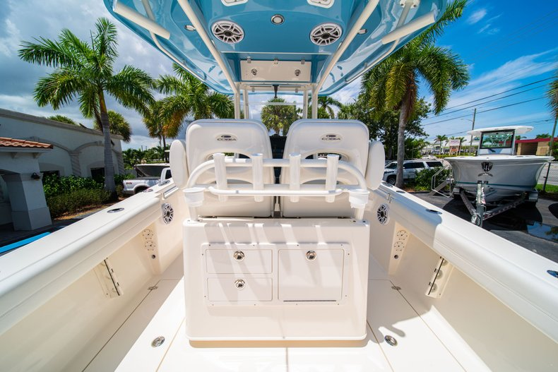 Thumbnail 11 for New 2020 Cobia 280 Center Console boat for sale in West Palm Beach, FL