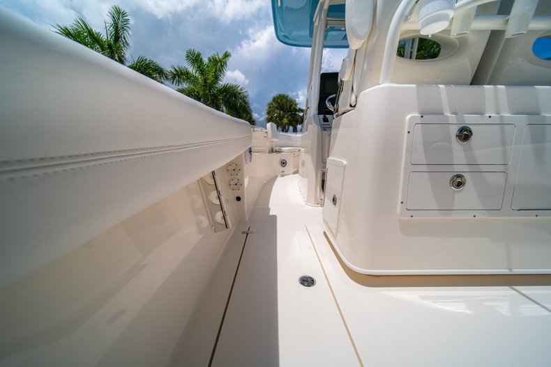 Thumbnail 20 for New 2020 Cobia 280 Center Console boat for sale in West Palm Beach, FL