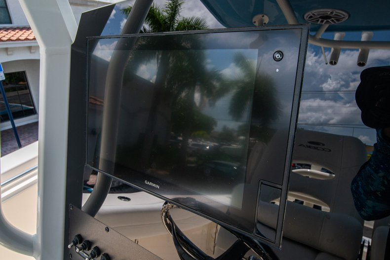 Thumbnail 24 for New 2020 Cobia 280 Center Console boat for sale in West Palm Beach, FL
