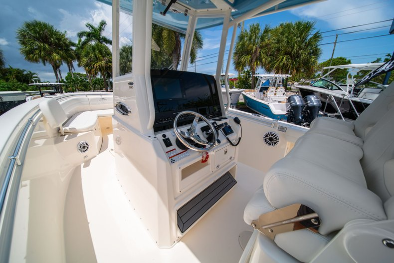 Thumbnail 23 for New 2020 Cobia 280 Center Console boat for sale in West Palm Beach, FL