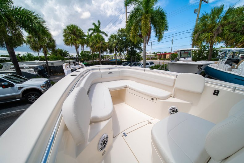 Thumbnail 32 for New 2020 Cobia 280 Center Console boat for sale in West Palm Beach, FL